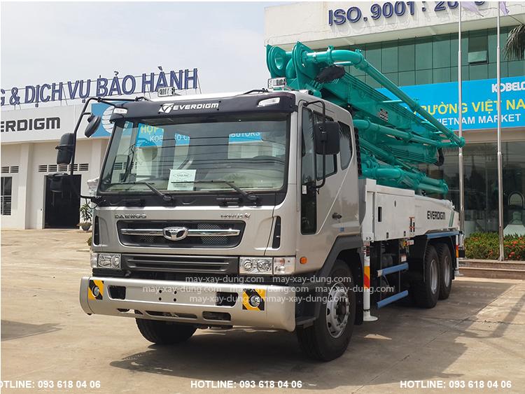Everdigm 37CX-5, xe bơm bê tông Everdigm cần 5 đoạn tầm với 37 m, mới 100%, Sản xuất Hàn Quốc