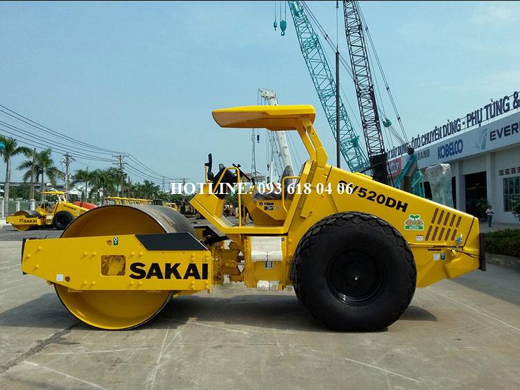 Lu rung Sakai SV520DH, xe lu rung Sakai  một bánh thép, tự trọng 11 tấn, mới 100%, sản xuất Nhật Bản